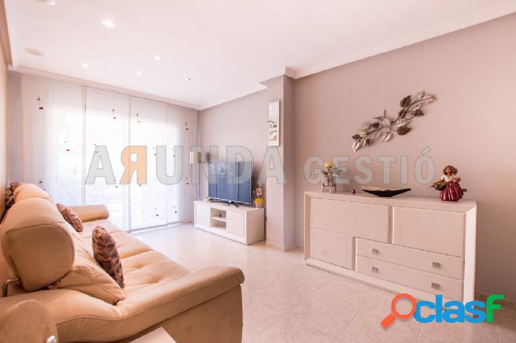 Precioso piso semi nuevo de 3 habitaciones dobles y plaza de