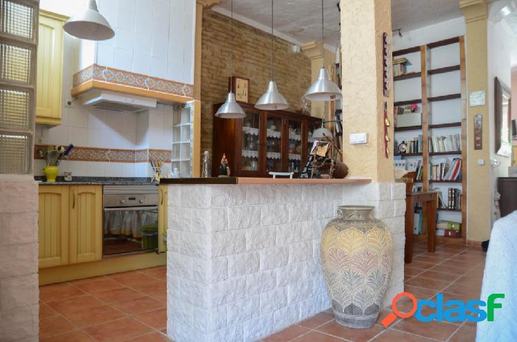 Primera planta de casa de pueblo en Godella en alquiler