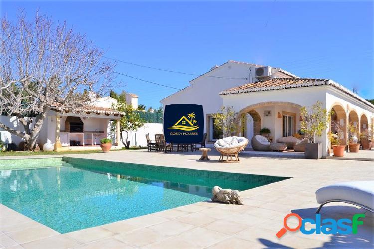 Tradicional Villa Mediterránea en JAVEA Recientemente
