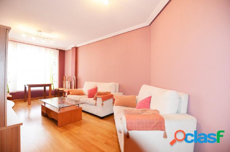 Urbis te ofrece un bonito piso con garaje en Villares de la