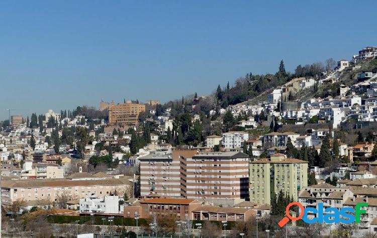Venta de chalet en Granada (Zona Bola de Oro)