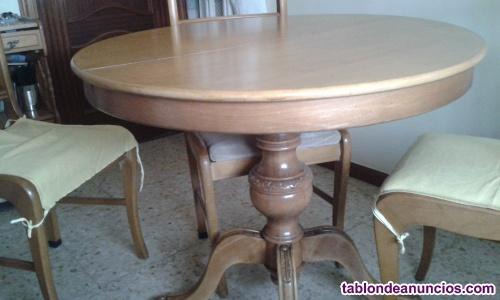 Mesa y 4 sillas de salita de estar