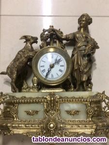 Reloj de bronce y mármol
