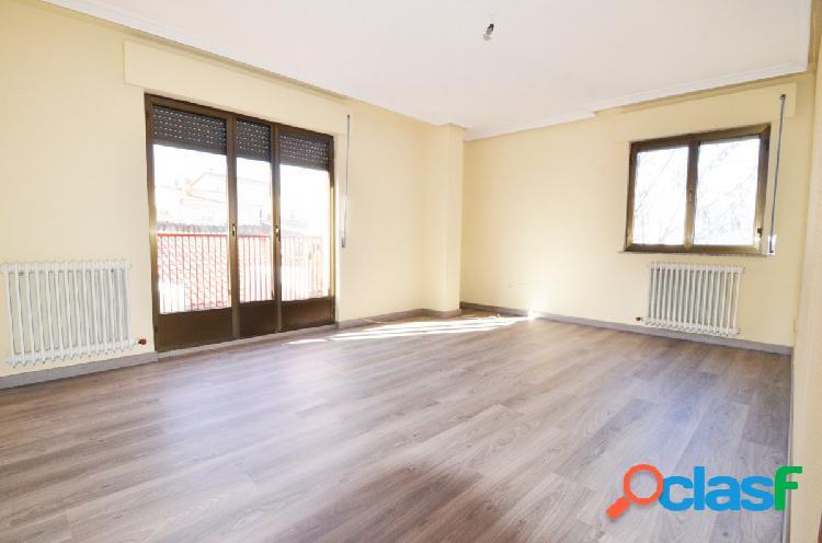 Urbis te ofrece un luminoso piso en Tejares (Salamanca)