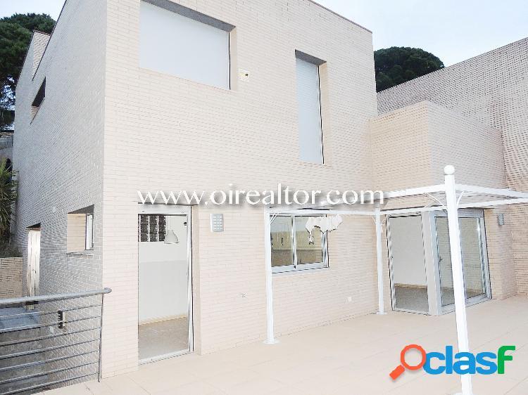 Fabulosa casa en venta, con vistas al mar, en Lloret de Mar,