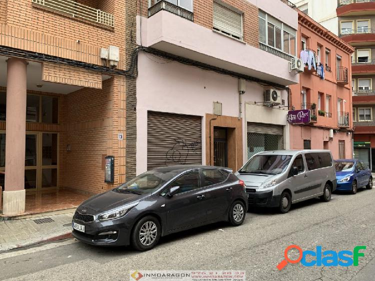 SE VENDE LOCAL EN CALLE LOBERA