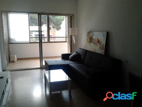 se alquila habitacion en piso de 4 hab. en Blasco Ibañez