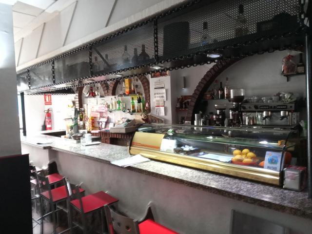 SE TRASPASA RENTABLE CAFETERIA BAR EN VILLENA