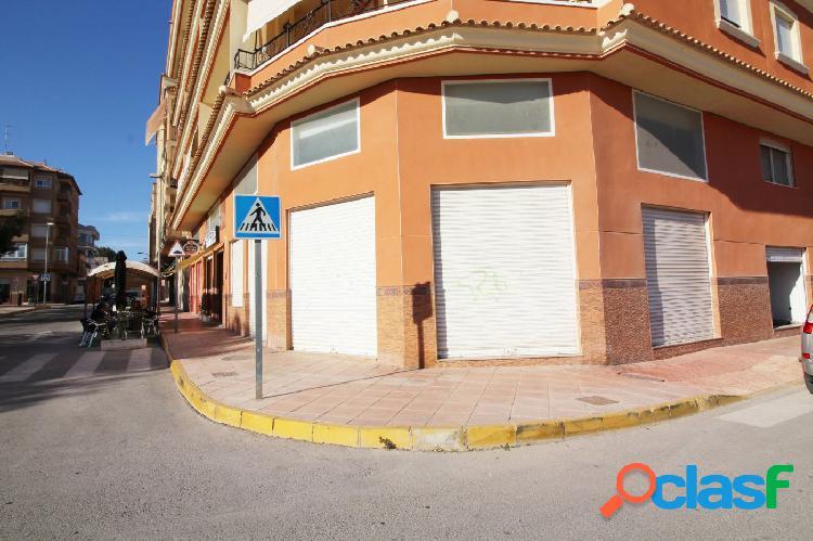 AMPLIO LOCAL COMERCIAL + ALTILLO EN ALBATERA