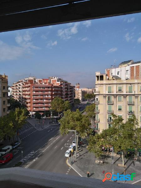 Piso en Barcelona zona Sant Antoni, 130 m. de superficie, 2