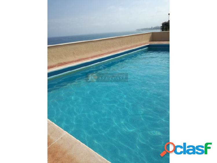 Piso en venta en 1º línea de playa en Carvajal, Fuengirola