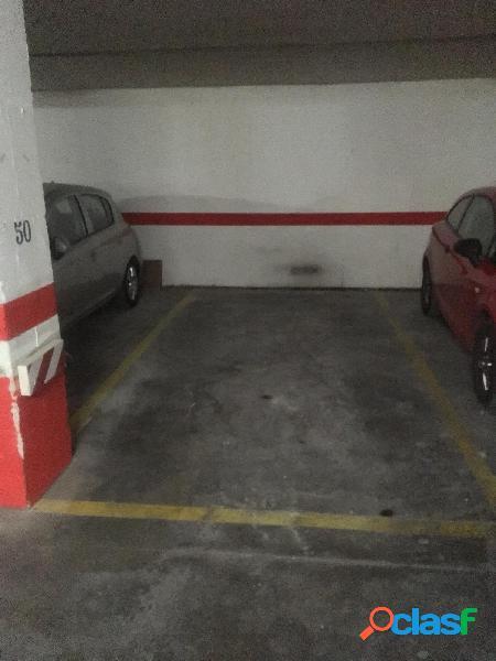 Plaza de garaje en el centro de San Blas