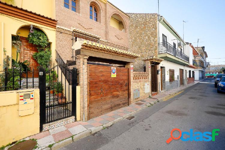 Te presentamos esta estupenda casa en Armilla.