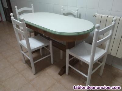 Conjunto de mesa y cuatro sillas de cocina