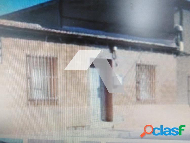 CASA UNIFAMILIAR ADOSADA CON PARCELA EN SAN VICENTE DEL