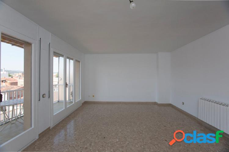 Gran piso en alquiler al centro