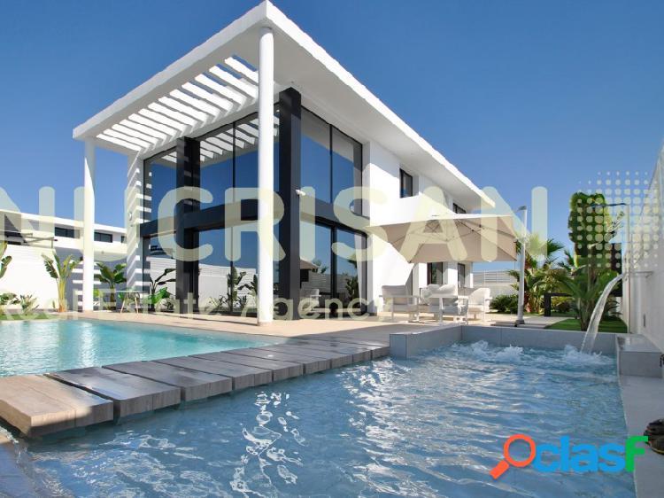 Moderna villa de diseño exclusivo en La Marina Alicante