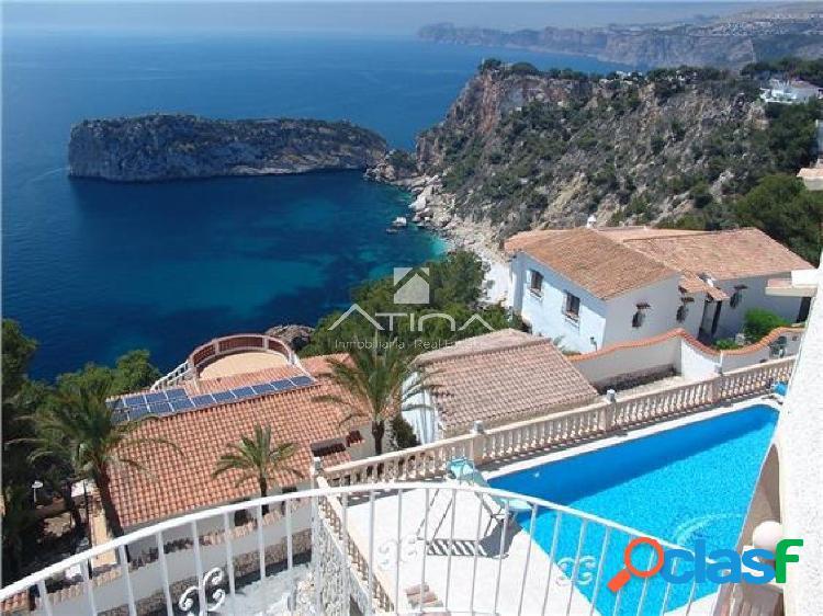 Preciosa villa de lujo, de estilo mediterráneo en la zona