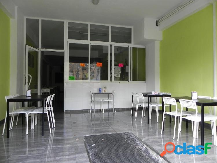 Se alquiler local comercial en Zona Pere Garau