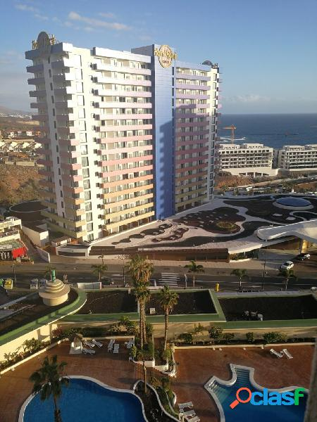 Se vende amplio apartamento en Club Pàraiso