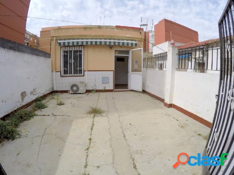 Venta de vivienda en planta baja, con 2 amplias terrazas, en