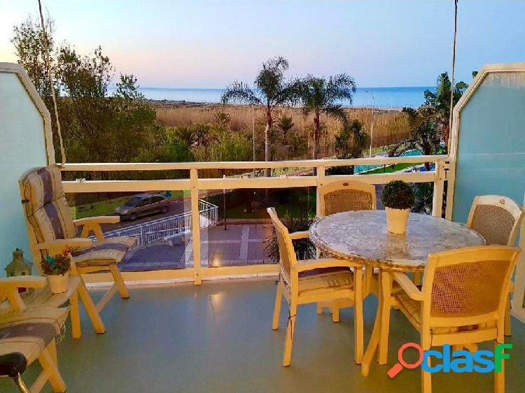 Apartamento en Playa de Gandia en primera linea de playa con