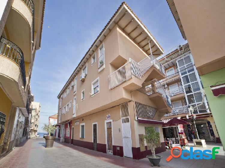 Piso en venta de 55 m2 en Calle Los Luisos, Alcázares (Los)