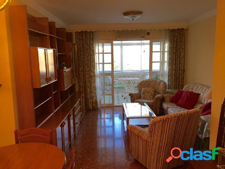 Amplio piso de 3 dormitorios en zona La Roca