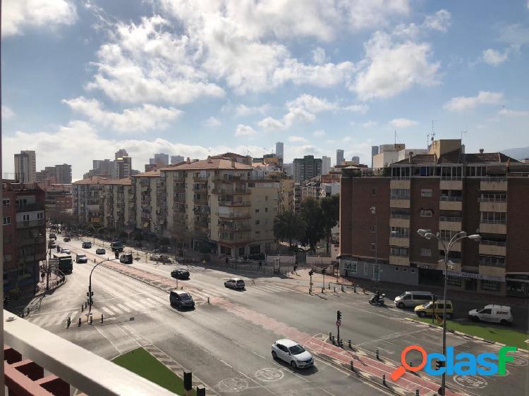 Amplio piso para entrar a vivir en el centro de Benidorm