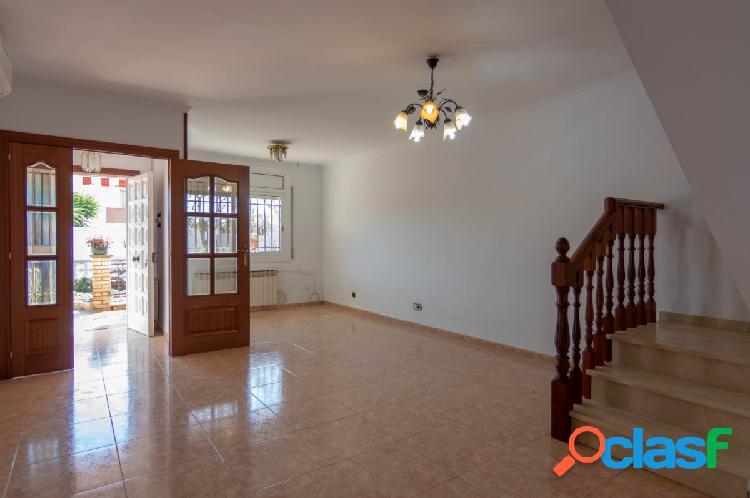 Casa en venta, Olesa de Montserrat, Zona Las Planas, Baix