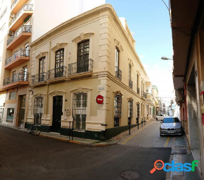 Magnifico piso Loft en dos alturas en el centro de Almería