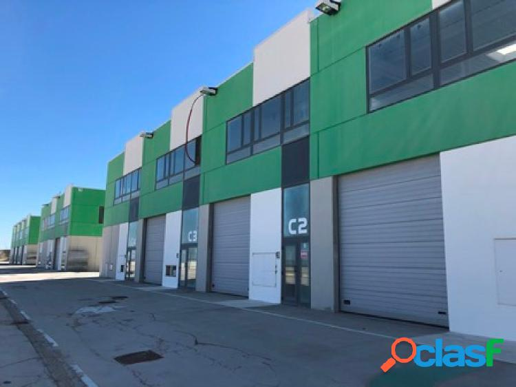 NAVE INDUSTRIAL de 304 m2 en P.I. Empresarium