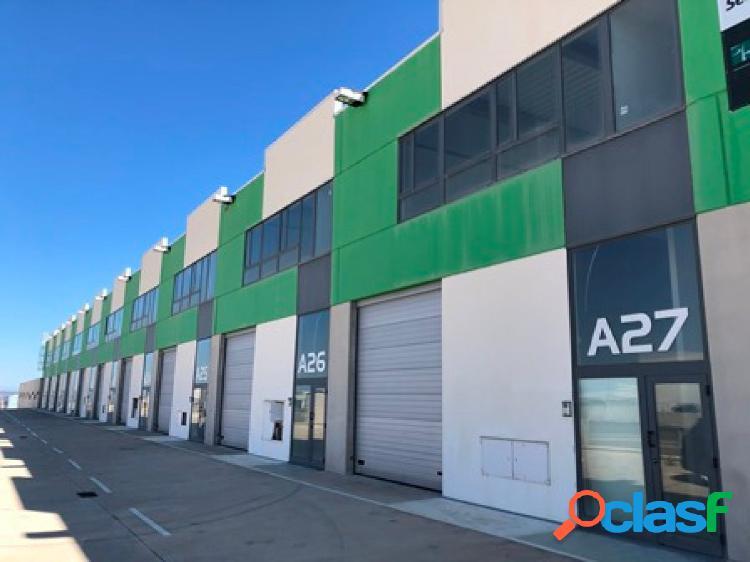 NAVE INDUSTRIAL de 381 m2 en P.I. Empresarium-Cartuja Baja