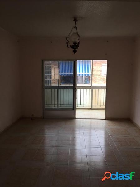 Piso de 3 dormitorios en Jose María de Lapuerta.