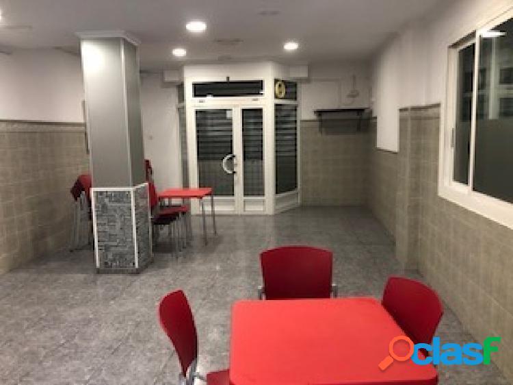 ¡SE VENDE O ALQUILA RESTAURANTE CAFETERÍA LISTO PARA