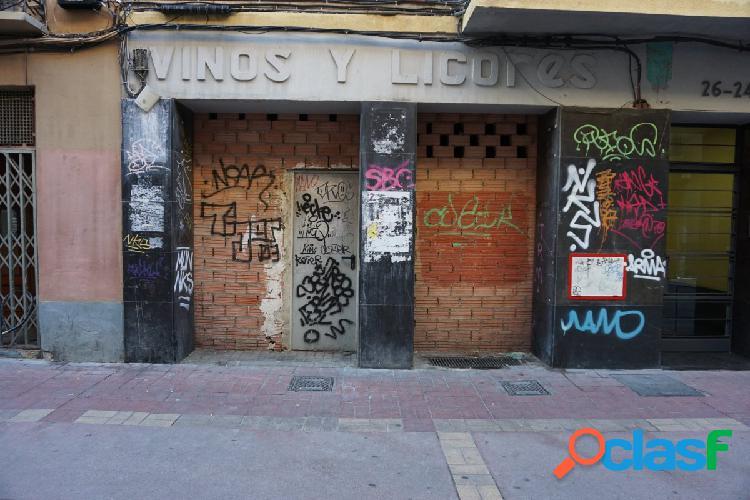 Se alquila local en Calle Heroismo - Zaragoza