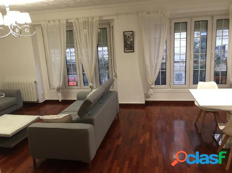 Se vende vivienda reformada en Ruzafa de 3 habitaciones y 2