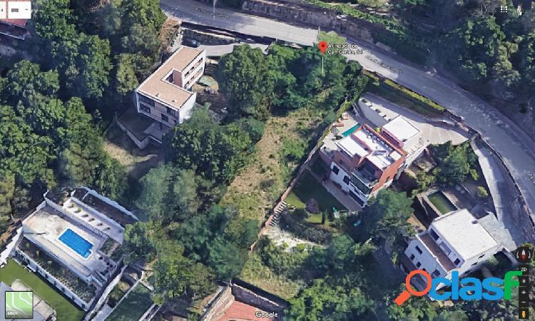 Terreno edificable en la urbanización Can Cortes