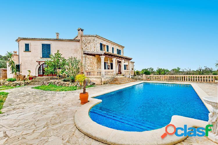 Venta o alquiler con opción a compra villa con piscina en