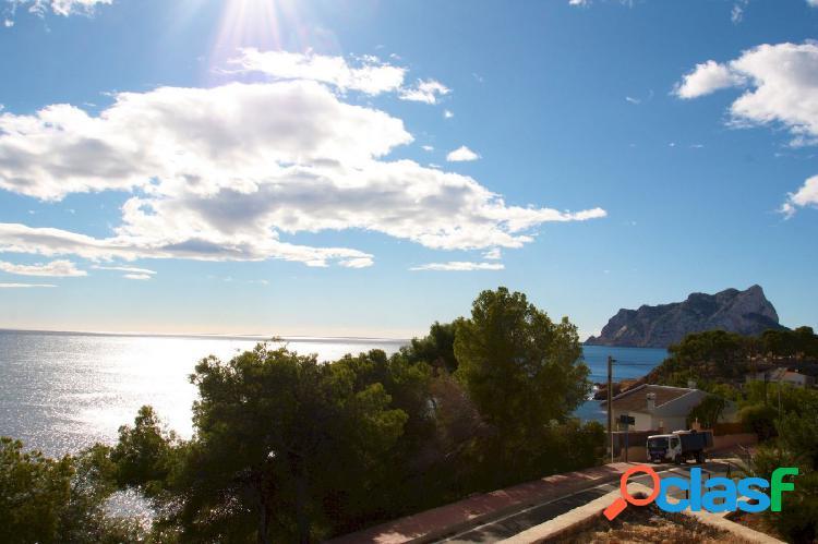 Villa en venta frente al mar en Benissa