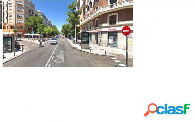 local en zona Fuencarral, a la altura de Bilbao y Quevedo.