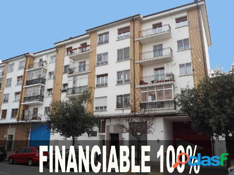 AMPLIO PISO DE 4 DORMITORIOS, CON ASCENSOR ¡¡¡FINANCIABLE