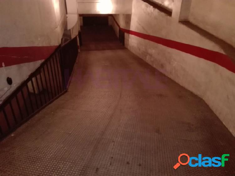 Elda: garaje cerrado 13 m2, zona Chapí-Cocoliche. 10.000