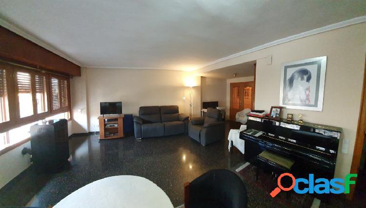 Espectacular y gran piso a la venta en Ontinyent.