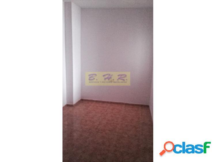 Estupendo piso en San Isidro de dos habitaciones y un baño