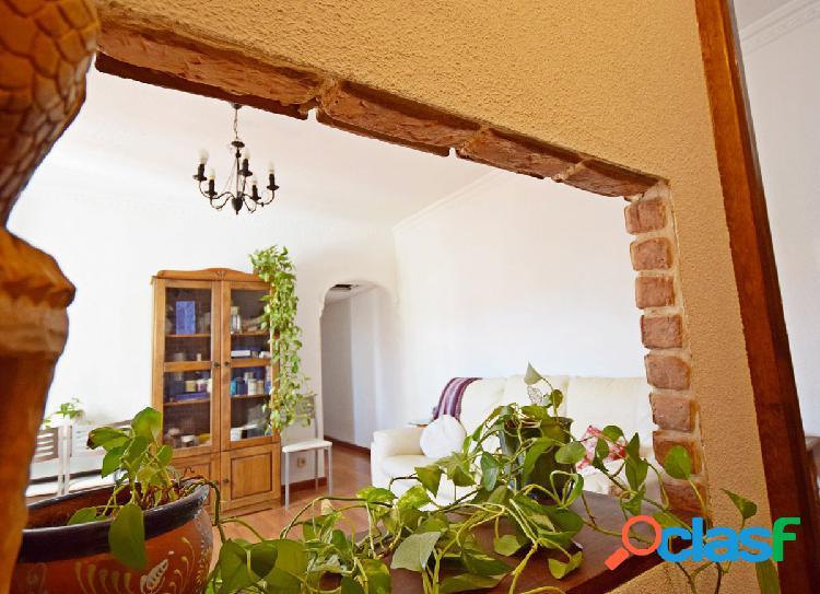 Fantástica vivienda con encanto en zona Berruguete.