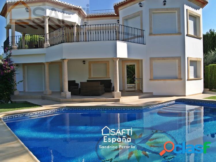 Lujosa villa de 5 dormitorios en venta en Javea - Adsubia,