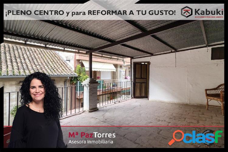 ¡OPORTUNIDAD! de vivir una casa en el centro de Granada. No