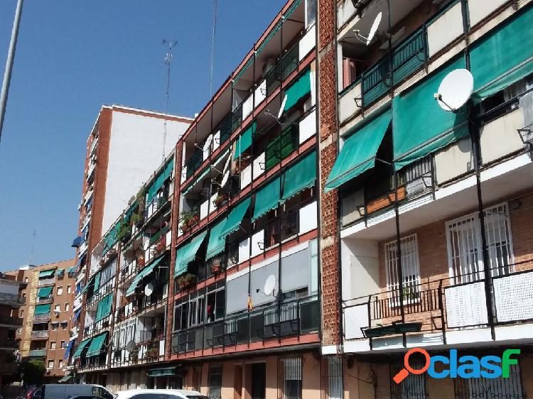 PISO EN ALCALÁ DE HENARES 3 DORMITORIOS PINTADO Y CON