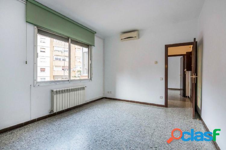 Piso en venta de 79m2 exterior, con 3 habitaciones y